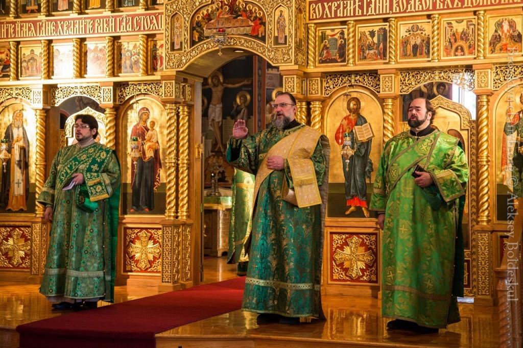 10082014_sergius_of_radonezh_liturgy_11