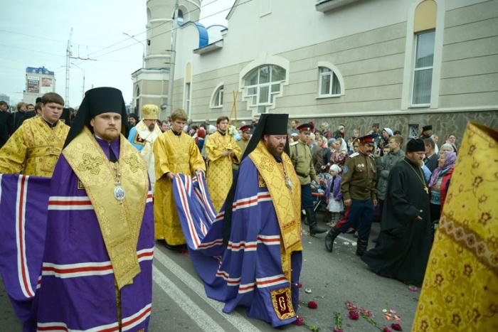 Kursko-korennaya-Belgorod-krestny-xod