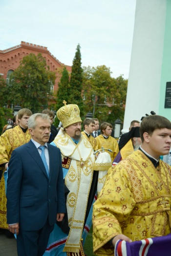 Kursko-korennaya-v-Belgorode-krestny-xod-Ioann-Mark