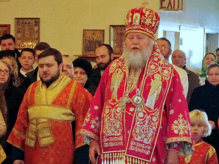 Праздничная Литургия Архиерейским чином в честь Новомучеников и Исповедников Российских, 6 февраля 2011 года