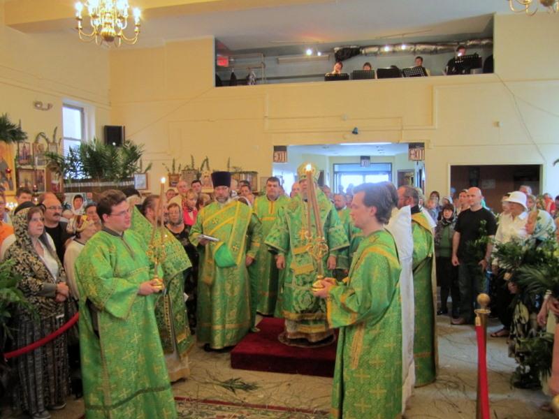 Богослужение в праздник Пресвятой Троицы, 12.06.2011