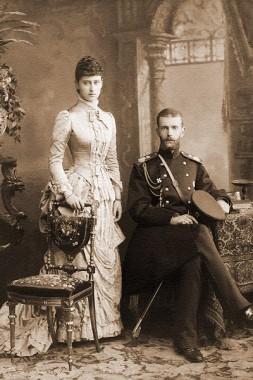 С супругом в Санкт-Петербурге. 1884 г, Елизавете 20 лет.