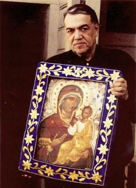 Иосиф Муньос-Кортес со святым образом Богородицы ИВЕРСКАЯ