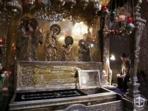 Молебен у раки с мощами преподобного Сергия Радонежского