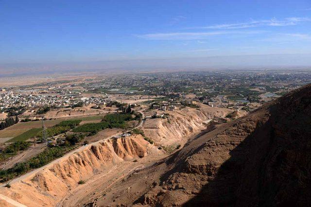 Вид на современный город Иерихон с Сорокадневной горы