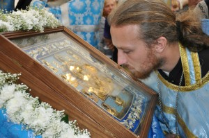 Пресвятая Богородица посетила Белогорье своей Курской Коренной иконой «Знамение»