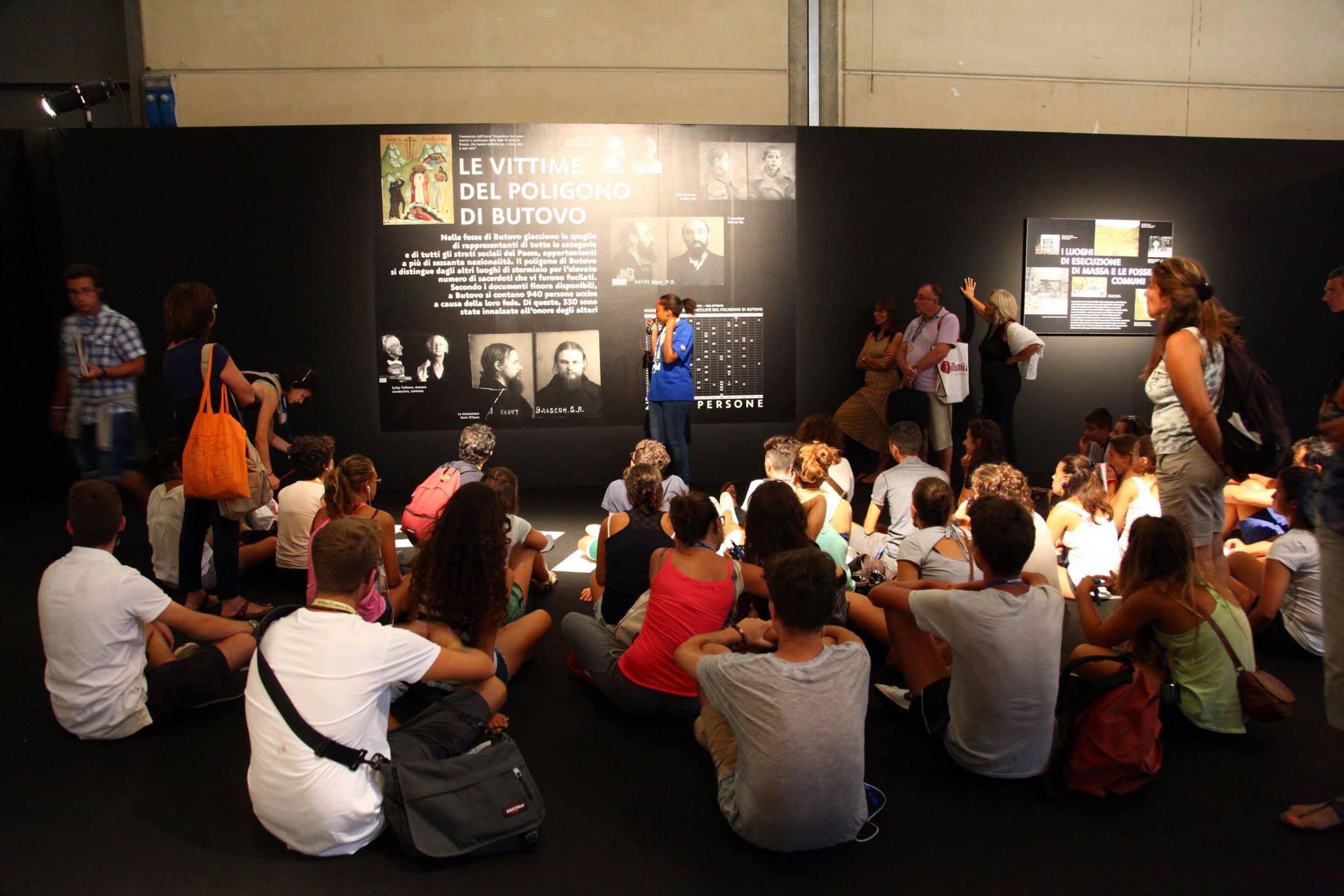 Выставка «Свет во тьме светит» в Римини