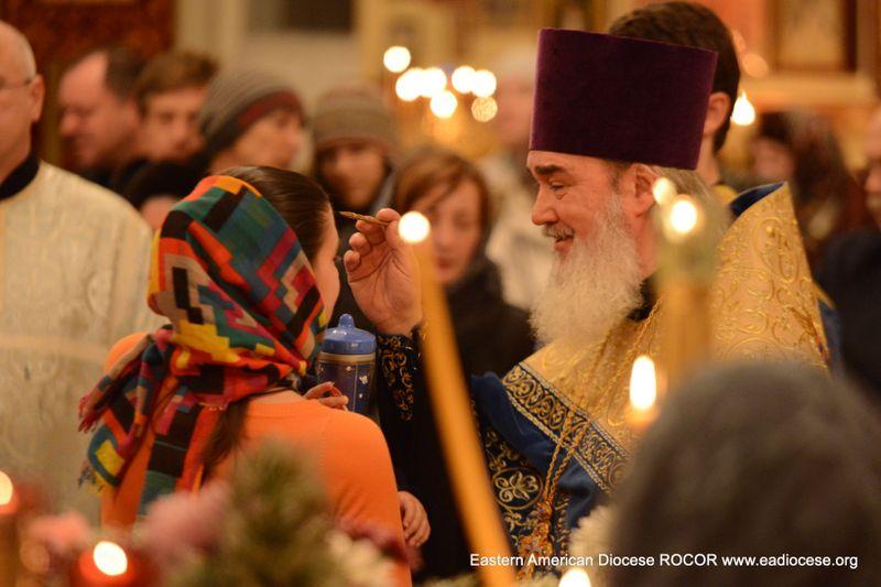 Верующие Бруклина поклонились святым мощам Оптинских старцев и других угодников Божиих, 11 Dec, 2013