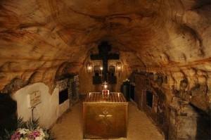 Храм Успения Богородицы в пешераx Псково-Печерского монастыря