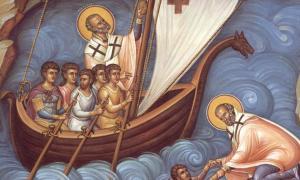 """Святитель Николай остается все тем же """"скорым помощником в беде сущим""""."""