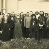 У стен Свято-Николаевский собора. Фото на освящении Никольского собора в Валуйка (Архив. Альбощего П.С.)