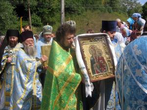 Крестный ход с иконой Божией Матери Озерянская