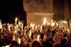 Сошел благодатный огонь. Иерусалим, Храм Гроба Господня