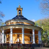 Древняя церковь святого Николая на месте захоронения князя Аскольда