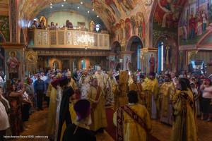 За Божественной Литургией в Св. Александро-Невском кафедральном соборе