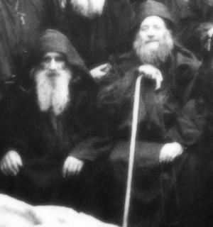 Блаженные старцы Арсений (слева) и Иосиф (справа) Пещерники и Исихасты