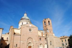 Кафедральный Ортонский собор во имя святого апостола Фомы (Basilica San Tommaso Apostolo) был воздвигнут на месте языческого капища, как это часто случалось в Европе, в знак торжества христианства над язычеством