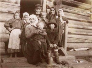 Крестьянская семья, начало 20 века