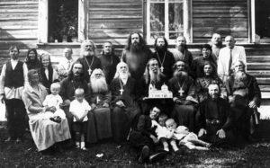 Архимандрит Сергий среди духовенства Тверской и других епархий.jpg