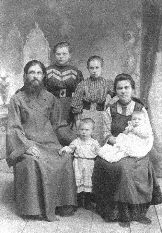 Dmitrij-Milovidov_family