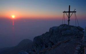 Крест на вершине Афона
