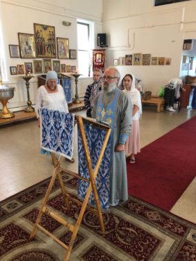 Молебен в храме Новомучеников Российских в Бруклине