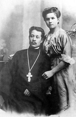 Священник Михаил с супругой