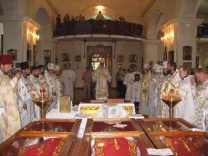 Мощи новомучеников в кафедральном Николаевском соборе