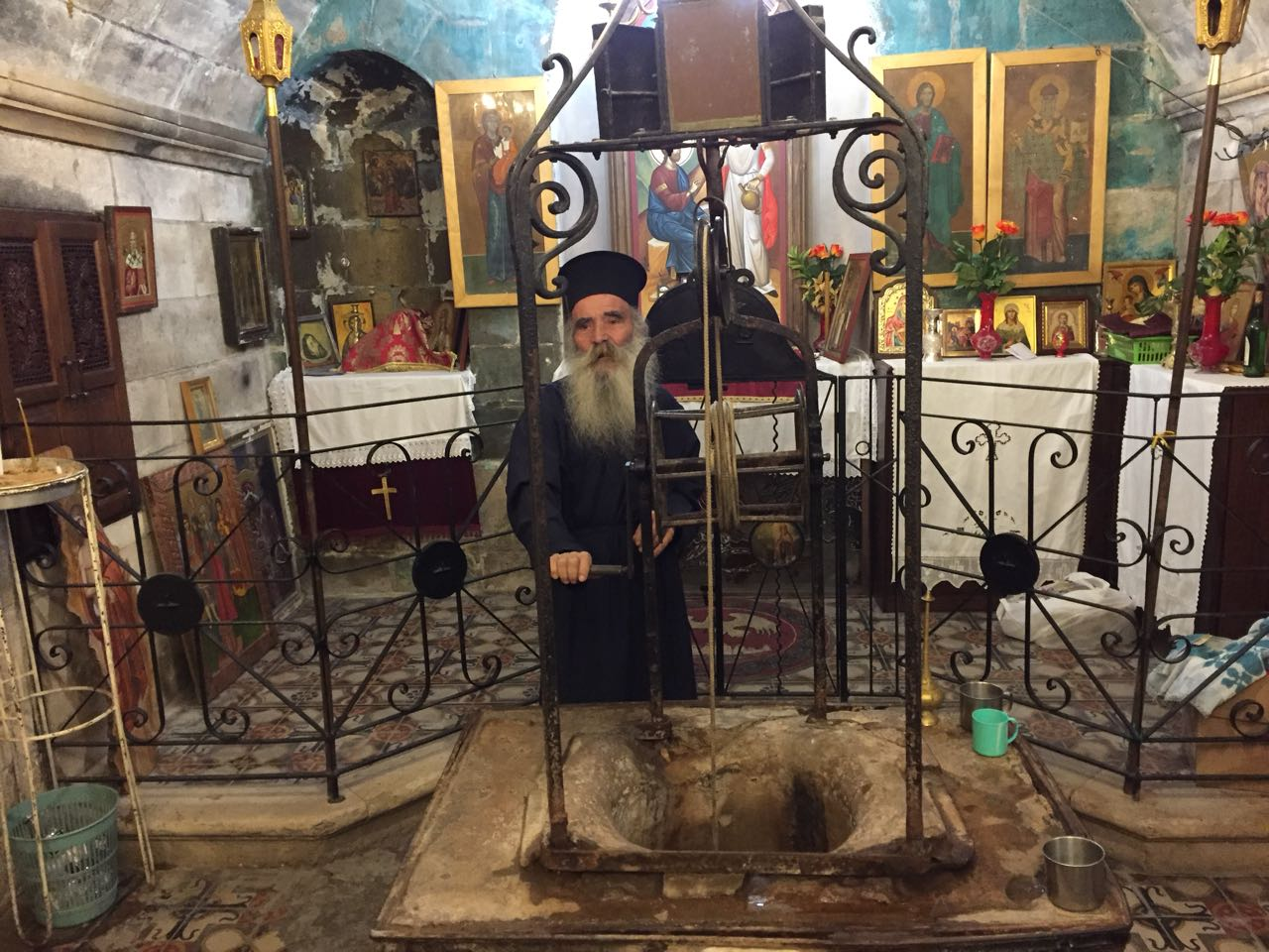 Arhimandrit-Iustin_Mamalla-nastoiatel-monastyria-u-kolodtca-Iakova