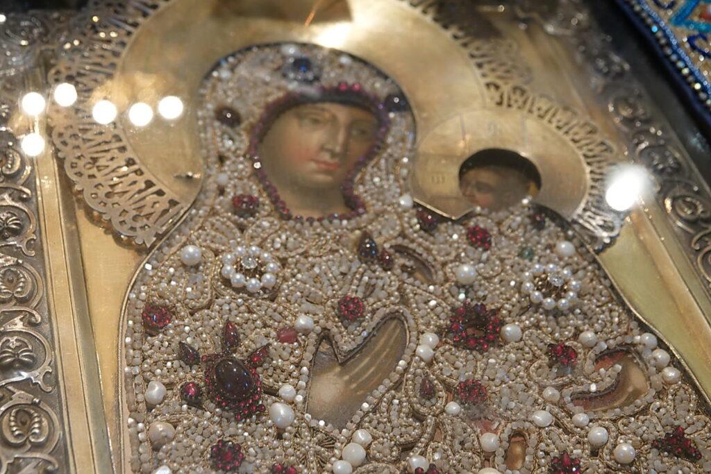 Чудотворная икона Пресвятой Богородицы Тихвинская